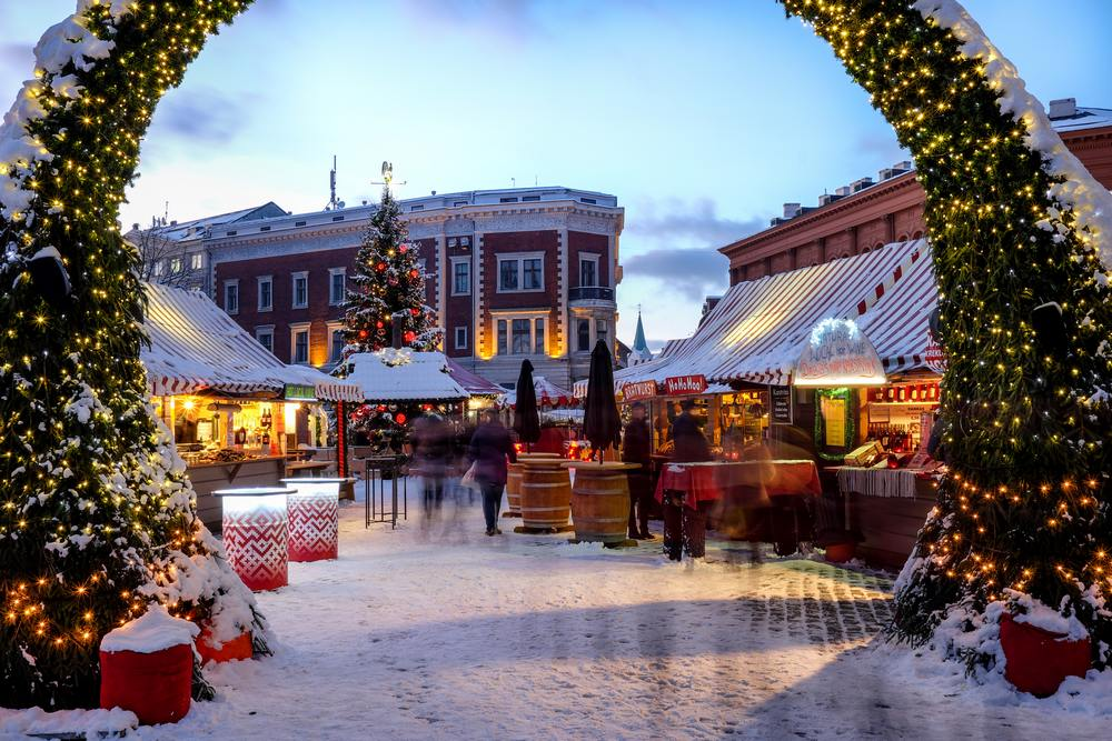 Christmas-market-place-at-the-Dome-square-in-Riga