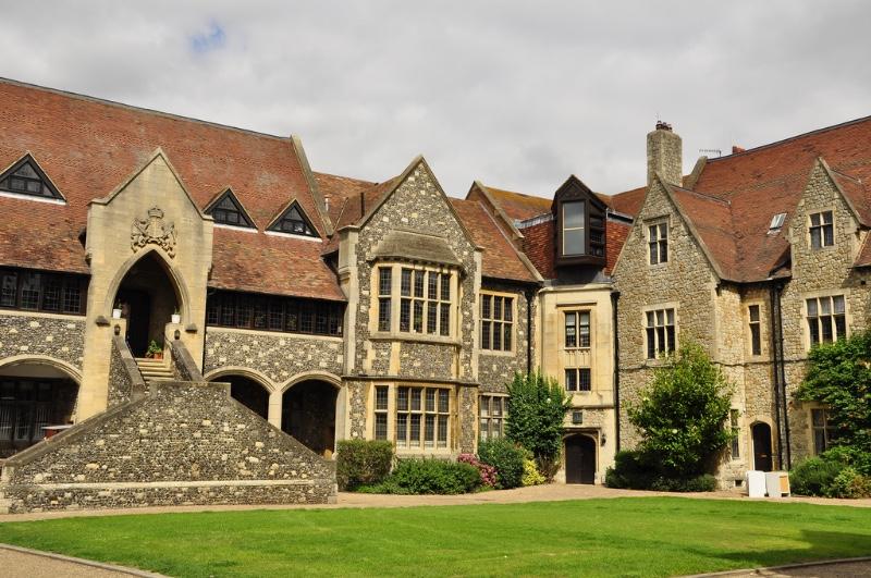 Видеонаблюдение в английской Королевской школе